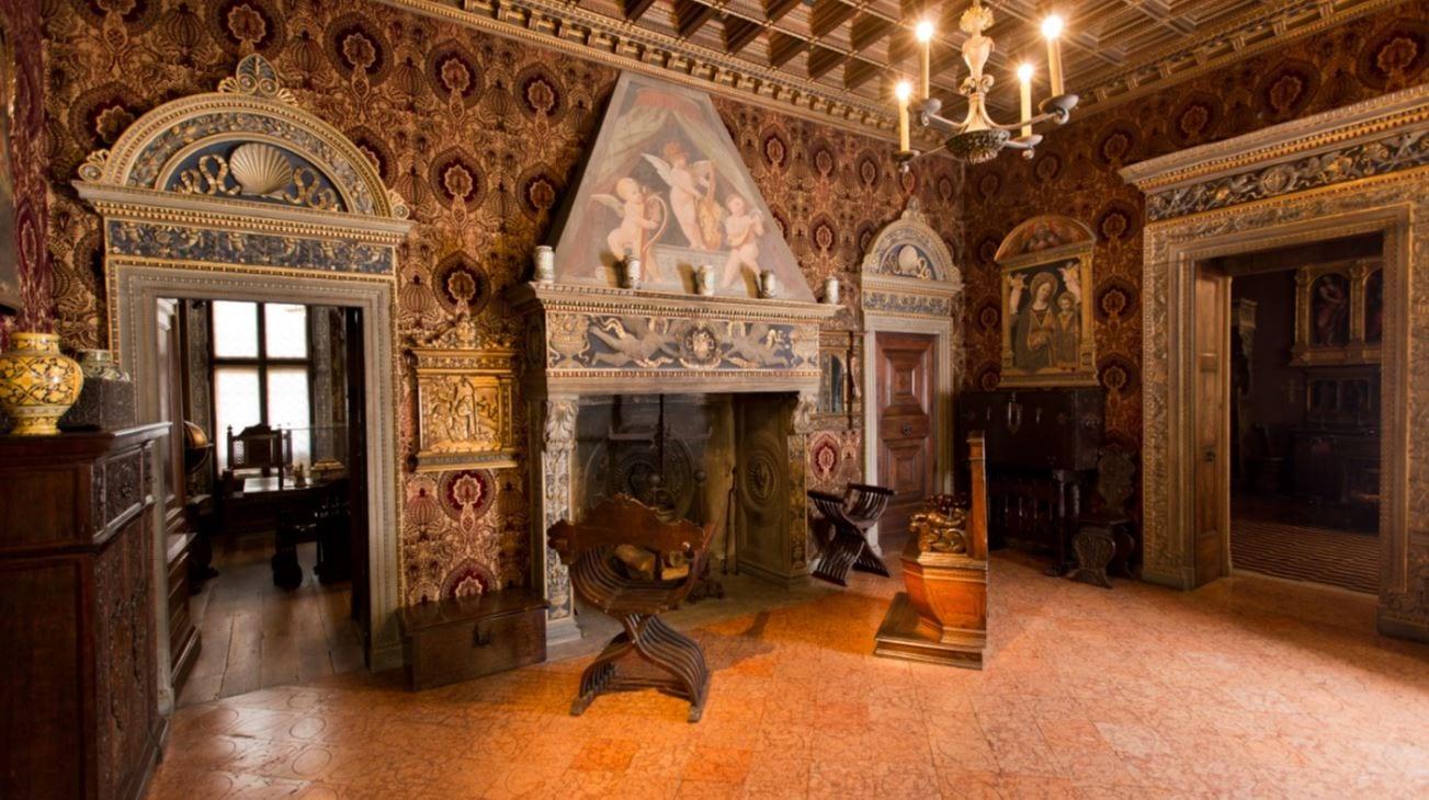 Location scouting Milano Salone con camino di Palazzo Bagatti Valsecchi